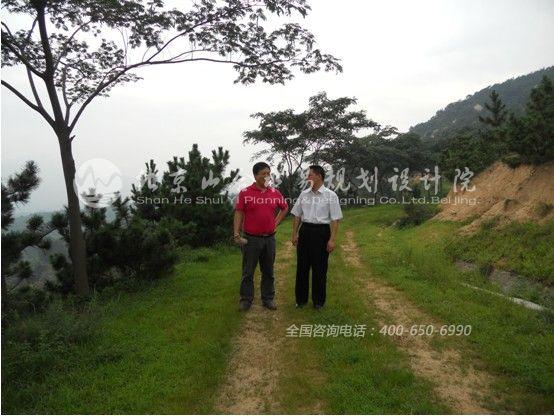 我院专家前往青岛胶南市对葡萄酒庄设计项目进行考察
