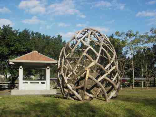 木结构景观及建筑主要是指由木材为主建造的公共